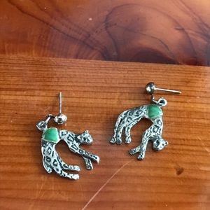 vintage silvertone jungle cat earring green accent